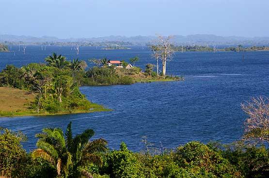 Gatun-Lake-04